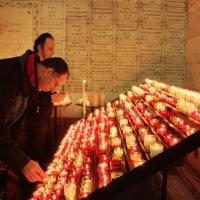 Les cierges en hommage aux disparus