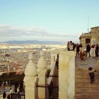 L'entrée de la basilique et son panorama