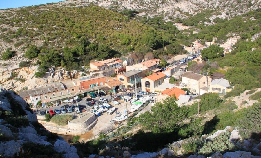 D couvrez le bout du monde la calanque de callelongue - Restaurant l huitre y est port des barques ...