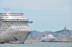 , A Marseille, les navires branchés à l'électricité en 2025