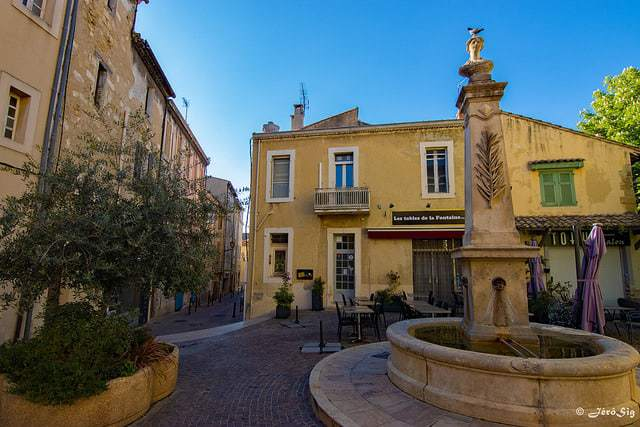 Guide de provence d couvrez salon de provence et son - Location a salon de provence ...
