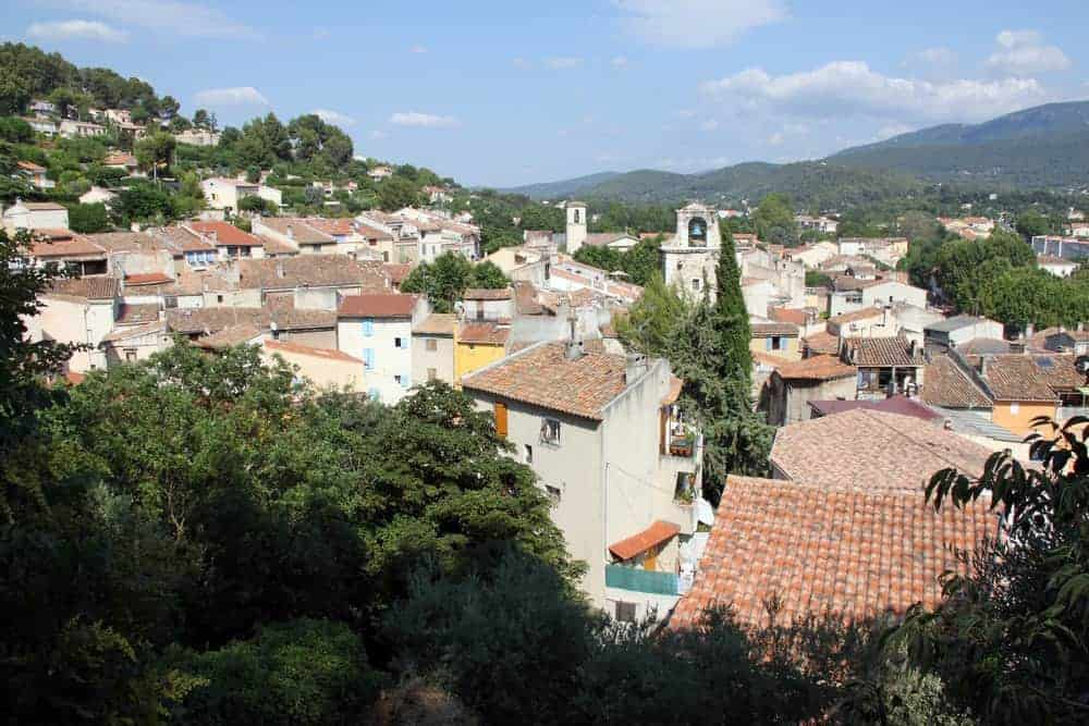 auriol, Guide de Provence – Découvrez Auriol, petite commune nichée entre trois montagnes, Made in Marseille, Made in Marseille