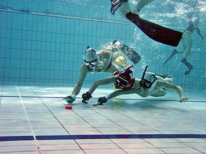 hockey-subaquatique-sport-atypique-piscine