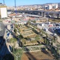 Vue inversée sur le jardin d'Arenc depuis un bâtiment de bureaux