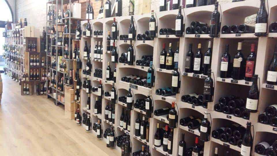 notre s lection des meilleurs bars et caves vins de marseille made in marseille. Black Bedroom Furniture Sets. Home Design Ideas