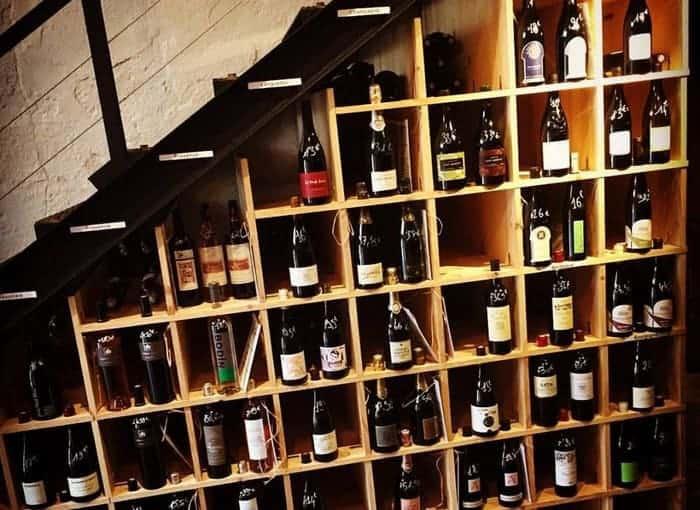 notre s lection des meilleurs bars et caves vins de. Black Bedroom Furniture Sets. Home Design Ideas