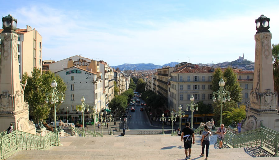Gare saint charles vue sur ville made in marseille for Piscine saint charles