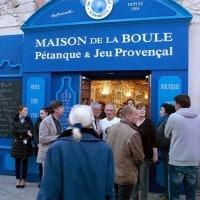 mistral, Que faire à Marseille lorsqu'il y a du Mistralou du vent d'Est ?
