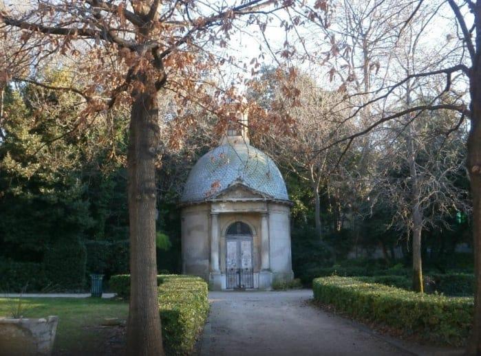 chapelle-parc-jardin-magalone