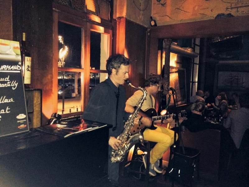 concert-jazz-bar-restaurant-caravelle