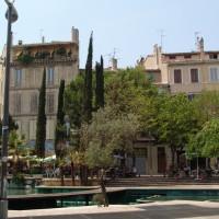 Cours-julien-visite-tourisme-logement