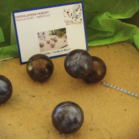 boule-bleue-petanque-chocolat-hubert