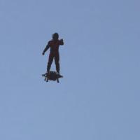 homme volant, L'homme volant a battu le record du monde à Carry le Rouet !
