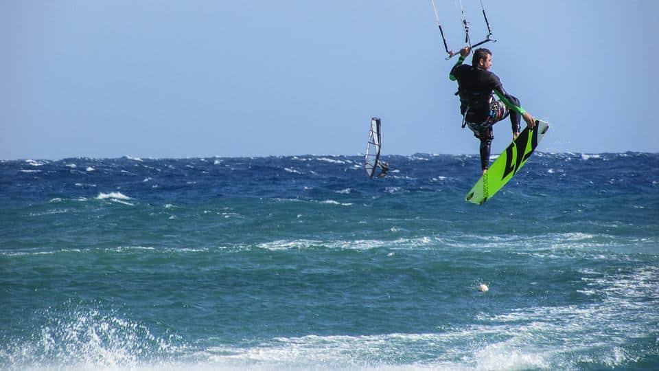 kitesurf-sport-nautique-acrobatie