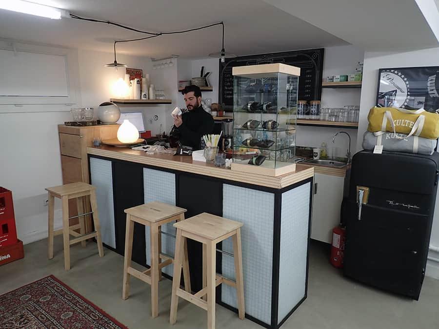 matthieu gamet patron de kulte et de la mode marseillaise nous ouvre ses portes made in marseille. Black Bedroom Furniture Sets. Home Design Ideas