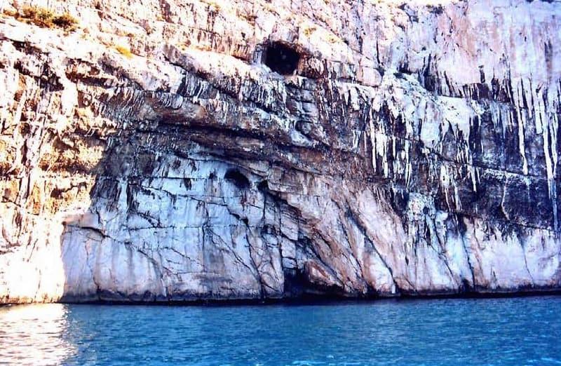 entree-grotte-triperie-cap-morgiou