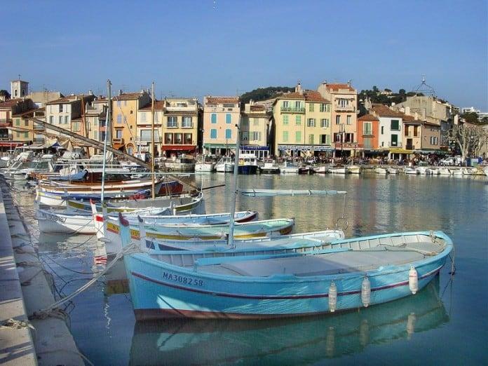port-cassis-restaurant-bar-bateau