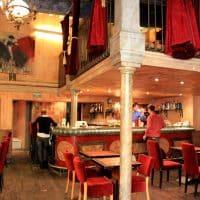 terrasse-cafe-soir-van-gogh-arles