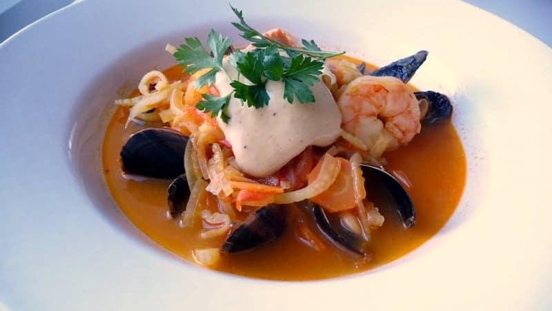 bouillabaisse, Découvrez l'histoire du plat marseillais par excellence: la Bouillabaisse, Made in Marseille