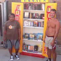 Des livres en libre service sur les plages