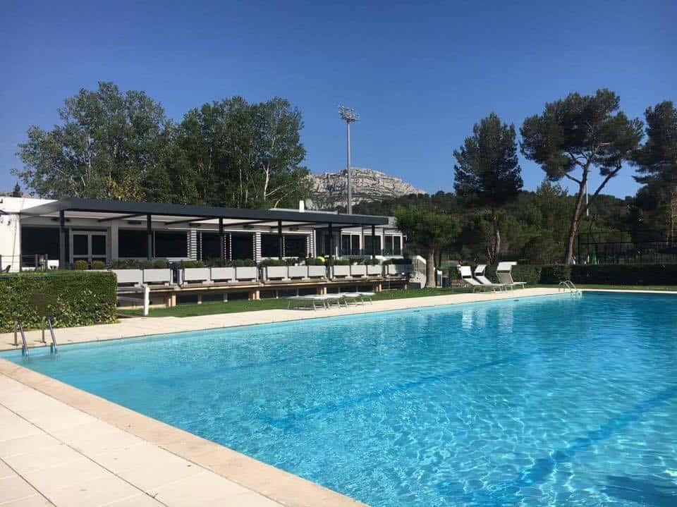 Notre s lection des meilleurs restaurants avec piscine for Piscine frais vallon