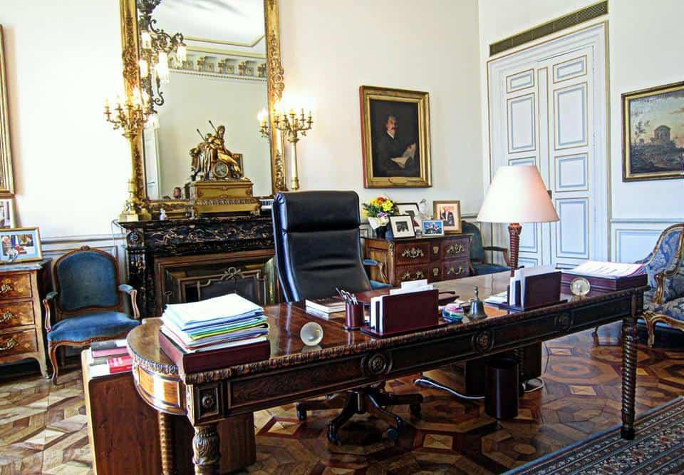 bureau-maire-jean-claude-gaudin