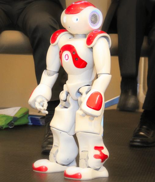 On a rencontré Nao, le robot du futur imaginé par la Caisse d'Epargne pour ses agences