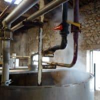 Un procédé utilisant la vapeur a remplacé les fours à charbon pour la confection du savon