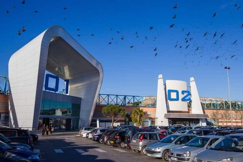 Et si la culture était l'avenir des centres commerciaux ? https://madeinmarseille.net/18733-avenir-centres-commerciaux/ Reportage dans les coulisses des 20 ans de Grand Littoral