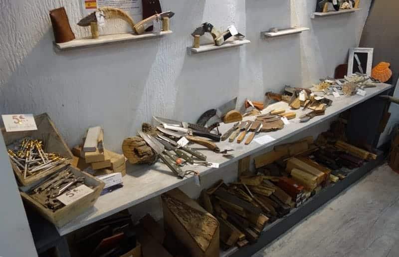 interieur-boutique-couteau-panier-artisan