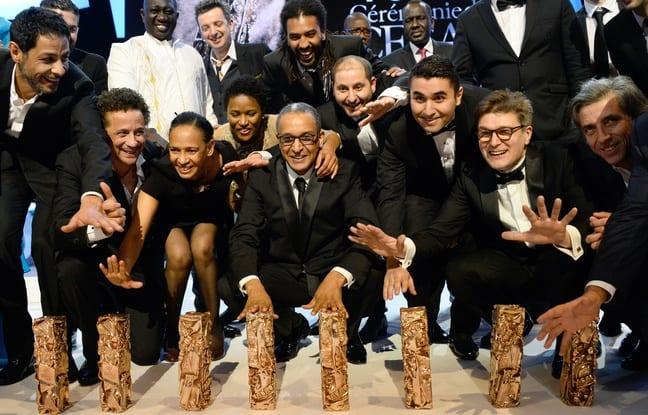 Abderrhmane Sissako et l'équipe du film «Timbuktu» qui a remporté sept trophées aux César, le 20 février 2015. - B.GUAY/AFP