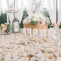 Parmi les stands, des idées déco © Okiss Wedding Design