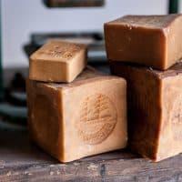 Découvrez la Savonnerie du Midi, l'une des dernières usines de fabrication de savon de Marseille