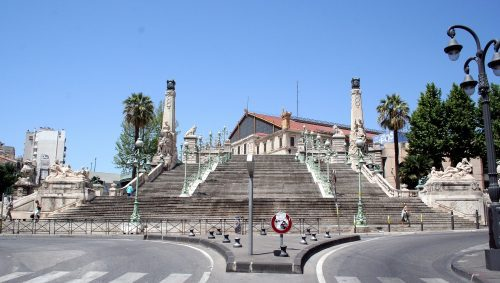 Plongez dans l'histoire de la gare Saint-Charles et découvrez son avenir