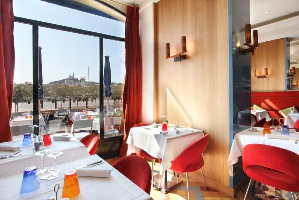 restaurant-salle-relais-50-vieux-port