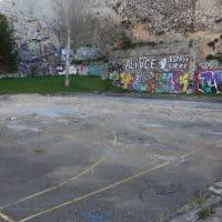 Ancien plateau sportif dont les terrains font partie du projet immobilier © AP