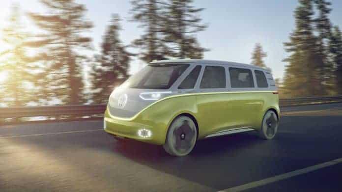 Le combi tout électrique avec volant rétractable — Volkswagen ID Buzz