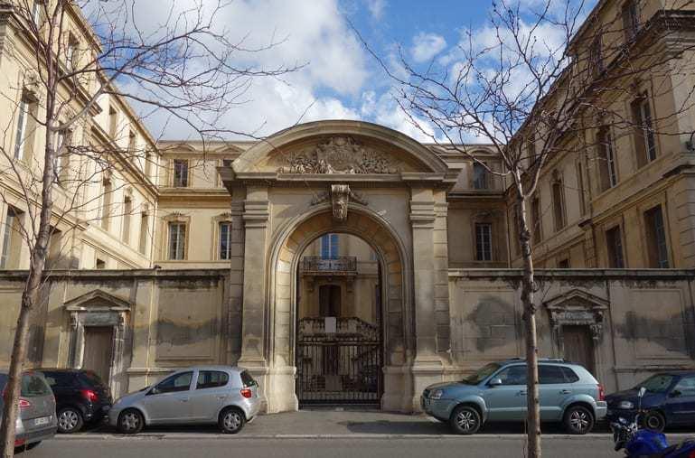 entree-evechee-palais-episcopal