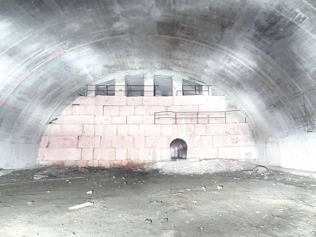 Eboulement dans le tunnel © Revjoy