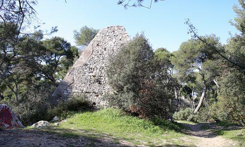 roy-espagne-pyramide-abandon