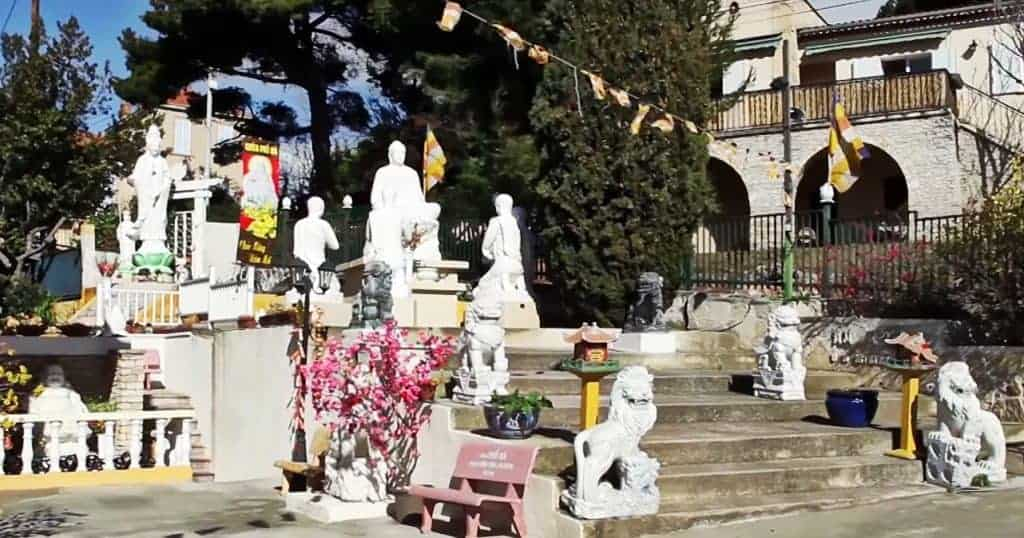 statue-bouddha-pagode-pho-da-marseille