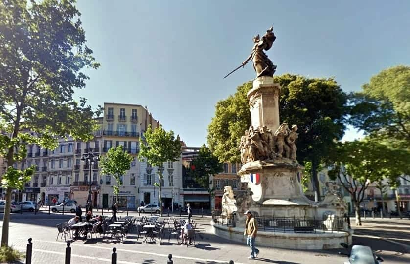 statue-monument-mobile-canebiere-reformes