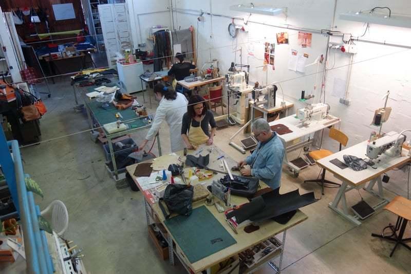 ecole-deuxieme-chance-atelier-maroquinerie