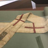 Le pallium offert par le pape de l'époque à Césaire