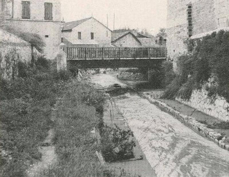 passage-pont-jarret-ruisseau-centre