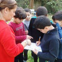 Journée d'ateliers au Jardin de l'Oasis pour une des classes de CE2 de l'école Peyssonnel (3e) © AP