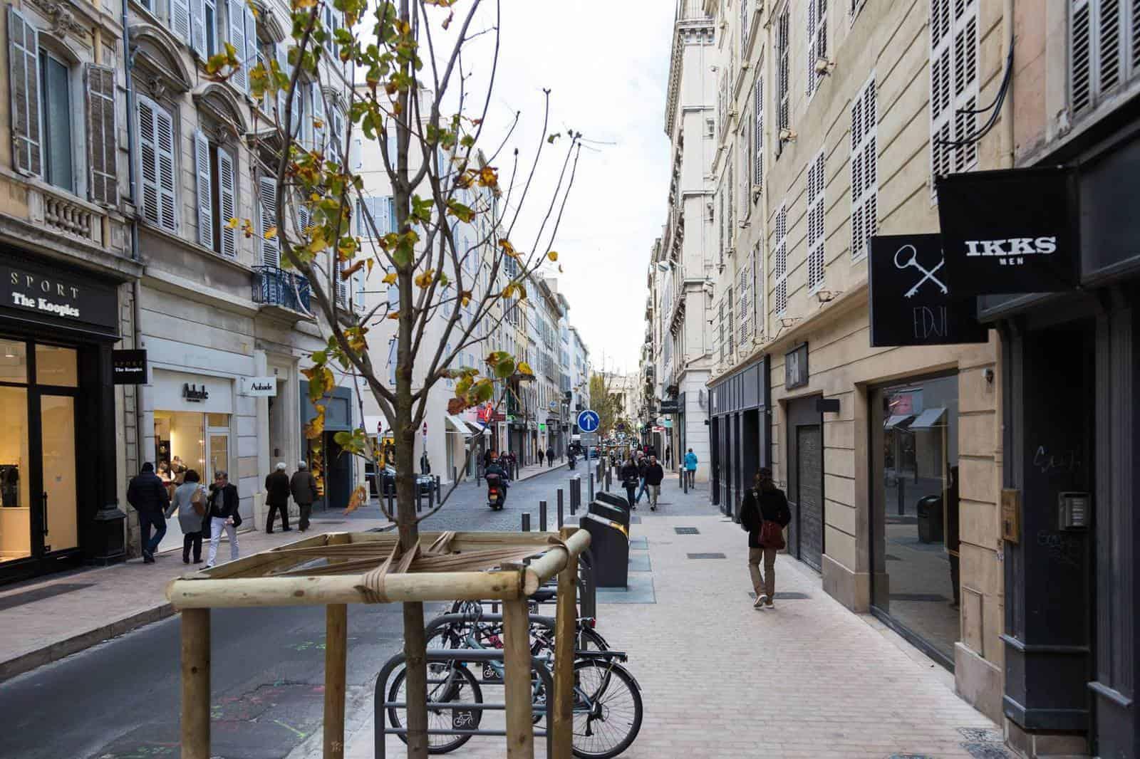d couvrez en images la nouvelle rue paradis r nov e made in marseille. Black Bedroom Furniture Sets. Home Design Ideas