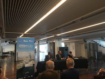 Jean-Pierre Serrus, maire de la Roque d'Anthéron et Kévin Polizzi, président de Jaguar Network sont venus parler de la mobilité dans une smart city. © Sophie Pironnet
