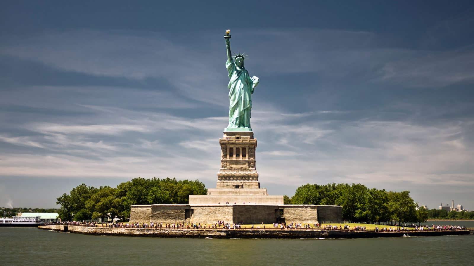 Populaires Légende : le socle de la Statue de la Liberté est-il construit en  WR48
