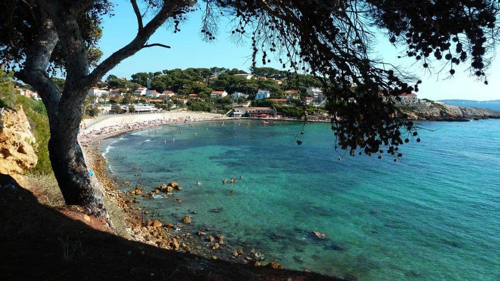 Les 10 plus belles plages de provence du var et de la - Office du tourisme de sanary sur mer ...